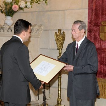 Albalact receives the distinction of Royal Supplier – June 2010